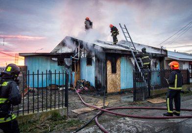 Familia colombiana perdió su hogar por incendio