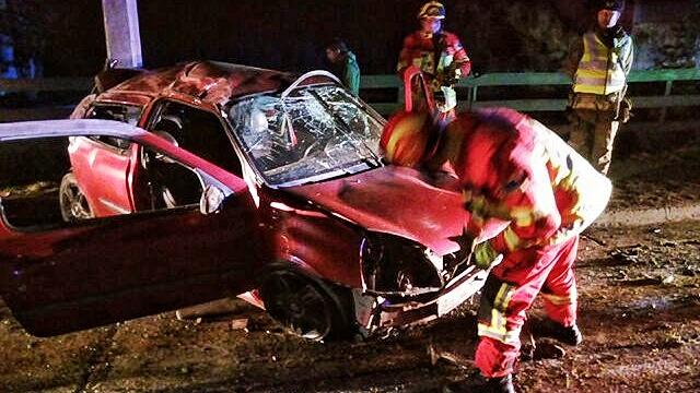Tres heridos, uno grave, tras volcamiento con choque en Río de los Ciervos