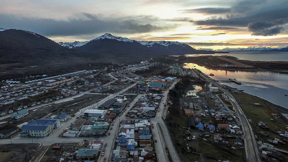 puerto williams single parent personals Williams said she has come to view such obstacles as brick walls initially, the wall is difficult to push but in time, she said, it will budge and, eventually, the wall will topple.
