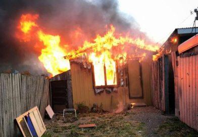 Vivienda resultó destruida tras incendio en Natales