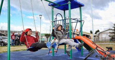 Remozadas plazas entregó el municipio en Villa Las Naciones