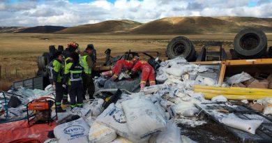 Camionero transandino murió tras volcar a 25 kilómetros de Cerro Sombrero