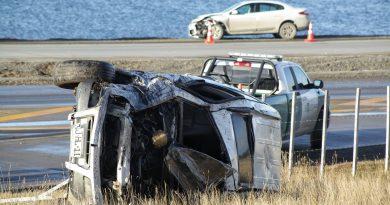 Dos heridos dejó volcamiento camino al aeropuerto
