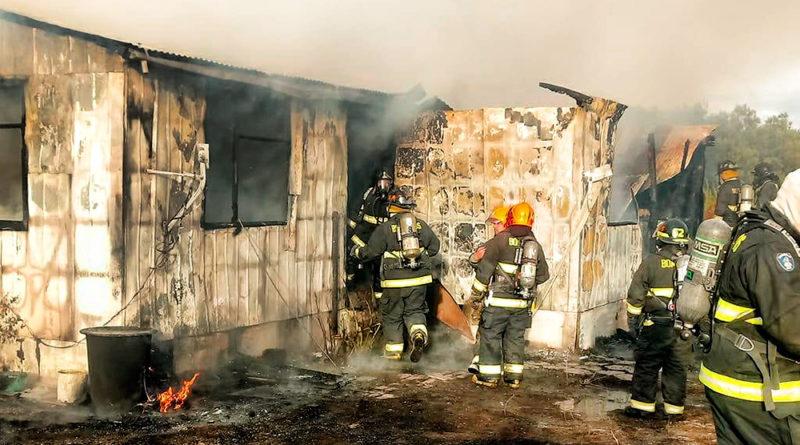 Incendio destruyó vivienda en parcela de Villa Generosa