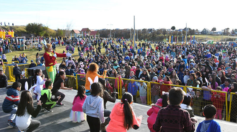 Unos 4 mil niños y adultos asistieron a la Pascua del Conejo en Punta Arenas