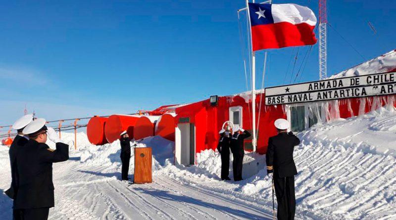 Con una sensación térmica de -10º se conmemoró el 18 de Septiembre en la Antártica