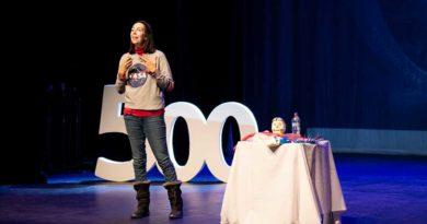 """""""Niños secuestrados por las pantallas"""": Máster en educación de la Universidad de Harvard dictará seminario en Punta Arenas"""