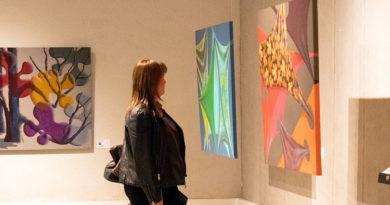 Pintora nacional realiza muestra gratuita en Punta Arenas