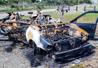 Vehículo robado fue incendiado en el parque Chabunco