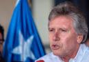 En medio de emergencia retornó a Santiago: Poco más de 3 horas permaneció ministro de Defensa en Magallanes
