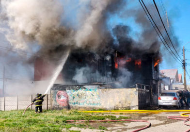 Incendio destruyó inmueble de la población Fitz Roy: Otras dos casas quedaron con serios daños