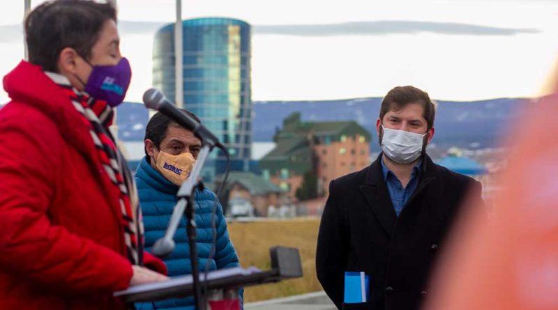 """Con el apoyo de """"rostros"""" de la política Boric anunció desde Magallanes los pilares de su campaña presidencial"""
