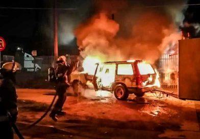 Delincuentes robaron e incendiaron vehículo de trabajo familiar