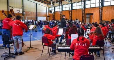Comunidad del Liceo Sara Braun disfrutó de la música de la orquesta sinfónica juvenil de Magallanes